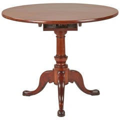 American Queen Anne Mahogany Tilting Tea Table, Prob. North Carolina