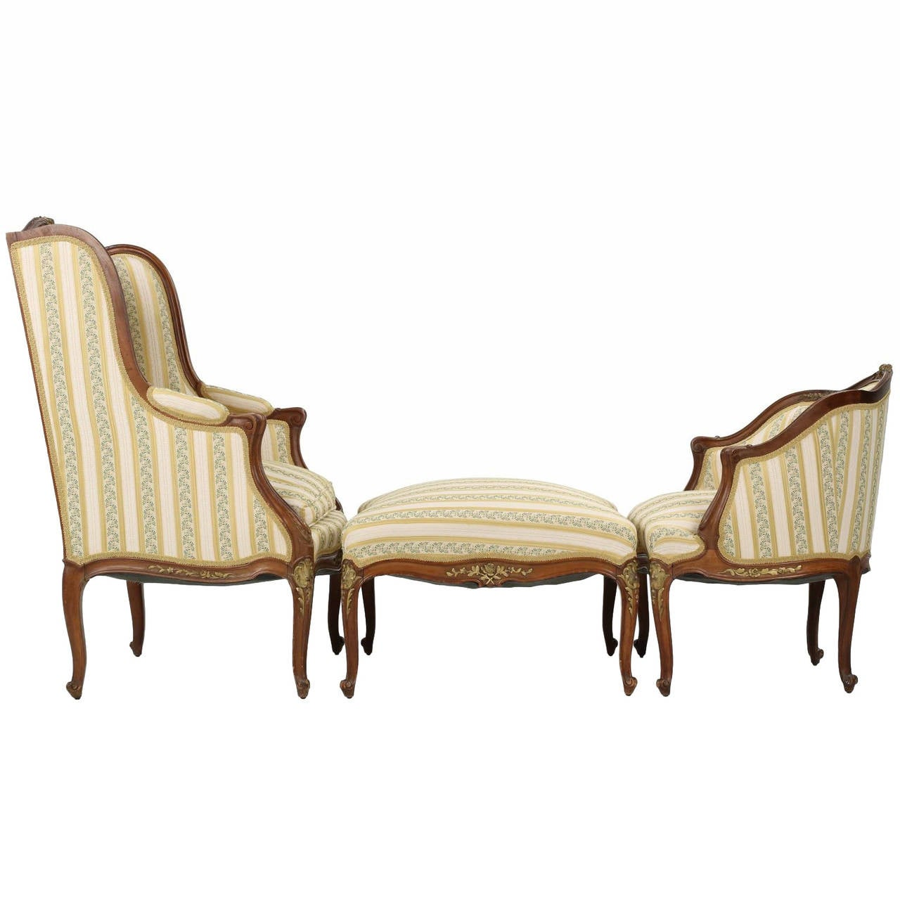 French louis xv style gilt highlighted walnut chaise for Chaise louis xv