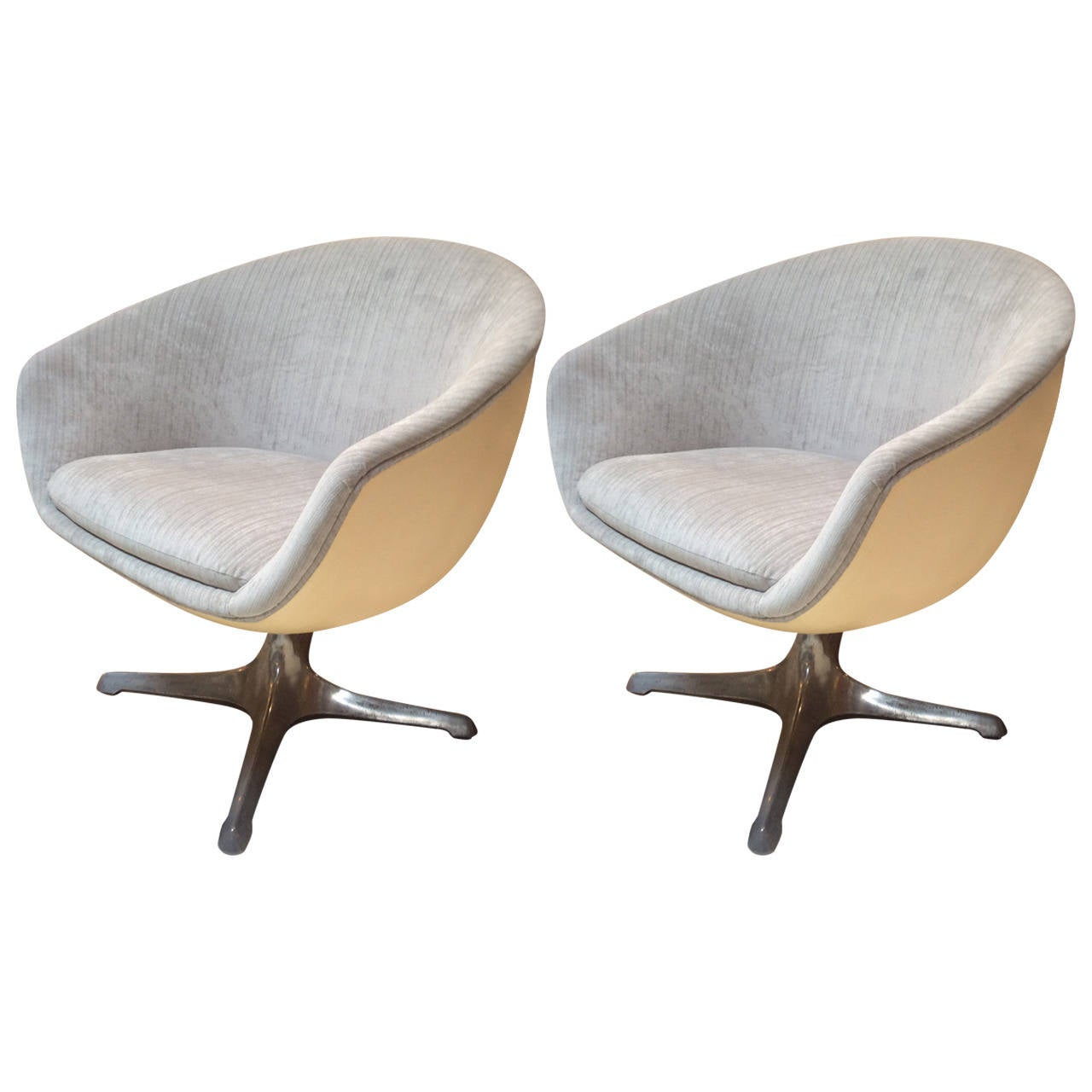 Pair Of Mid Century Pod Ball Or Egg Swivel Chairs From