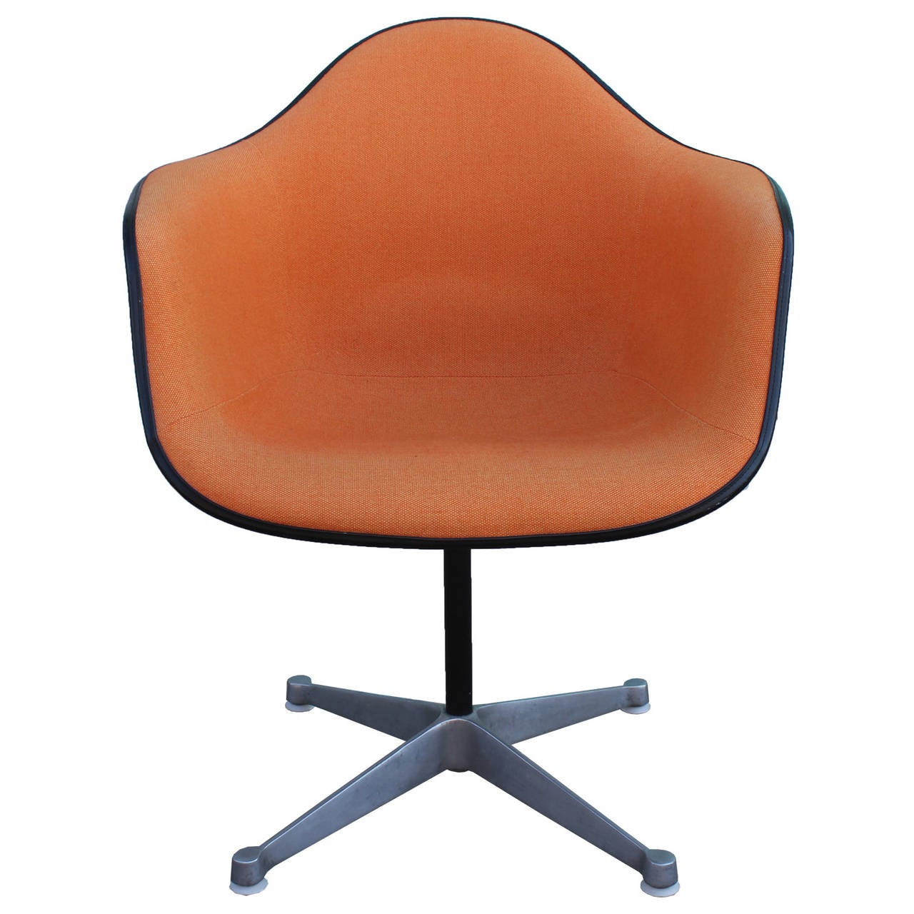 Mid Century Modern Pair Of Herman Miller Eames Swivel Bucket Chairs For Sale