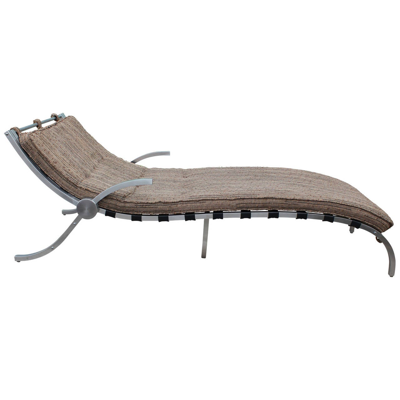 sculptural mid century modern aluminium chaise lounge for sale at 1stdibs. Black Bedroom Furniture Sets. Home Design Ideas
