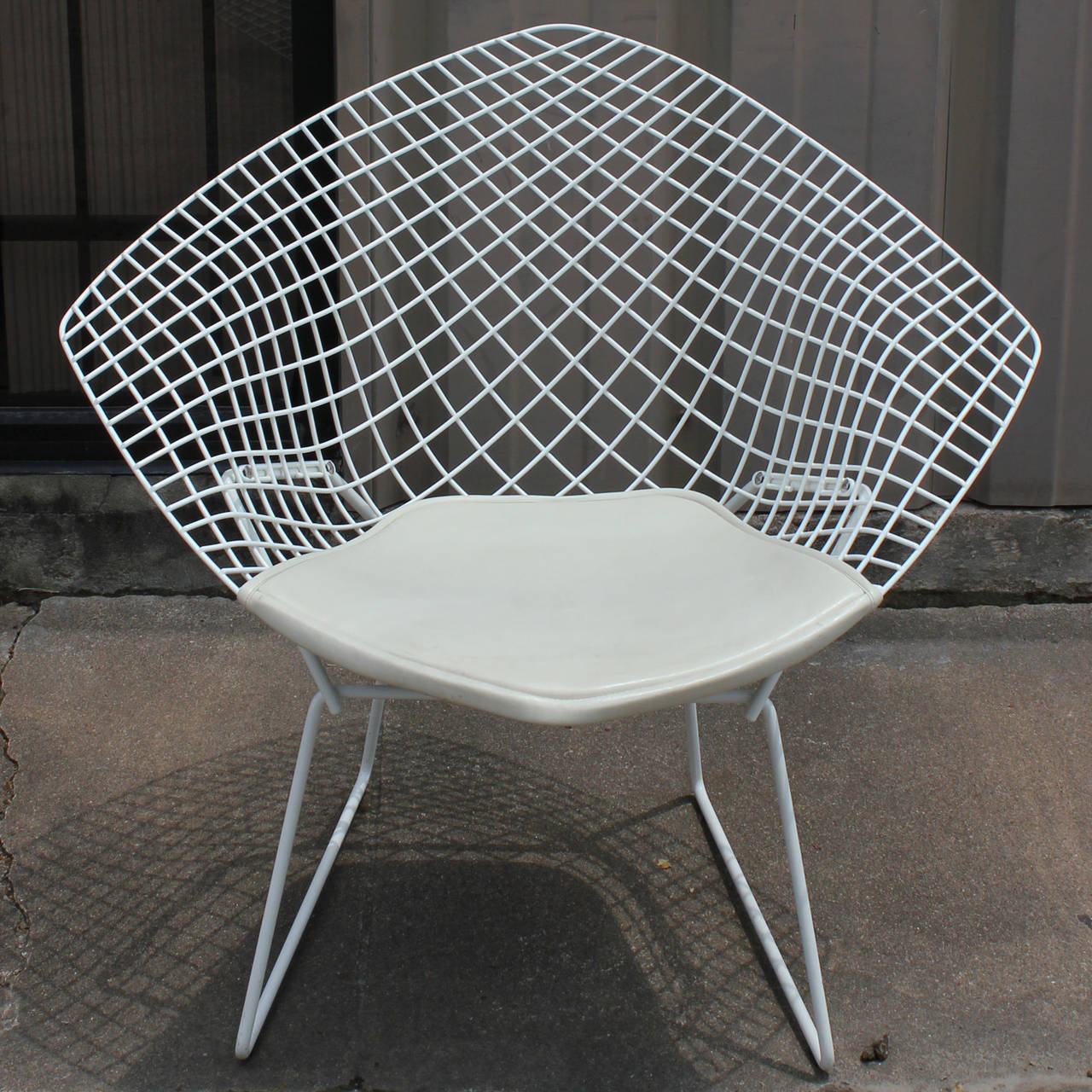 White Diamond Chair by Harry Bertoia for Knoll at 1stdibs