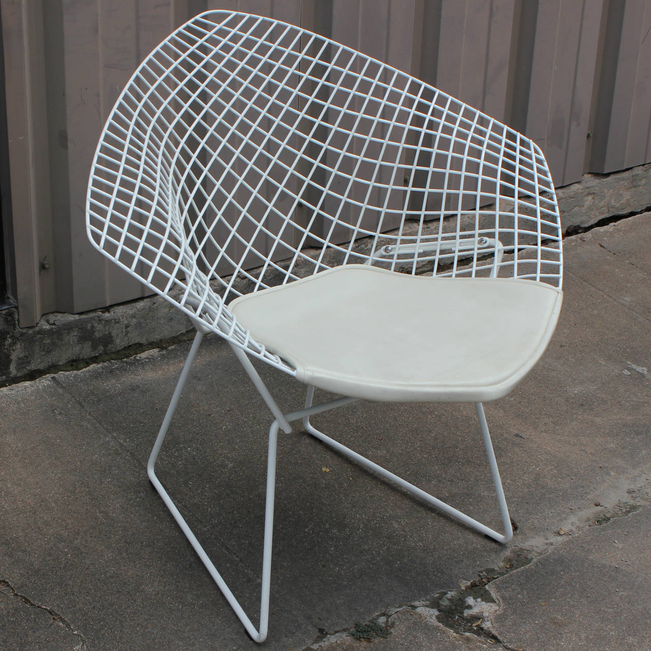 white diamond chair by harry bertoia for knoll at 1stdibs. Black Bedroom Furniture Sets. Home Design Ideas