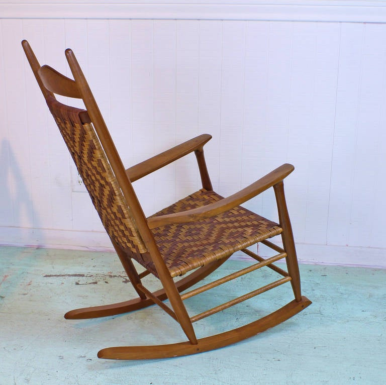 Superb Danish Style Custom Rocking Chair With Woven Seat In Excellent  Condition For Sale In Houston