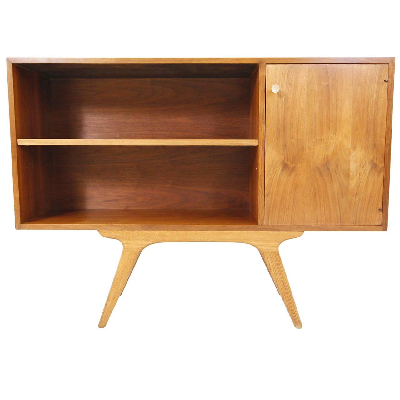 Small Mid-Century Modern Bookshelf by Glenn of California ...