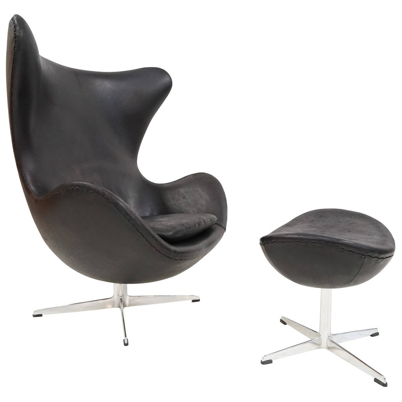 early arne jacobsen leather egg chair with ottoman by fritz hansen at 1stdibs. Black Bedroom Furniture Sets. Home Design Ideas