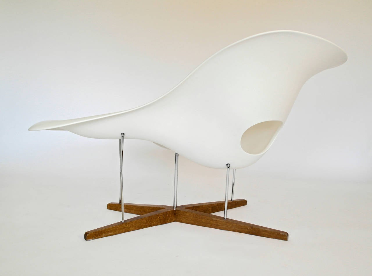 Vitra edition la chaise by charles and ray eames at 1stdibs for Reedition chaise eames