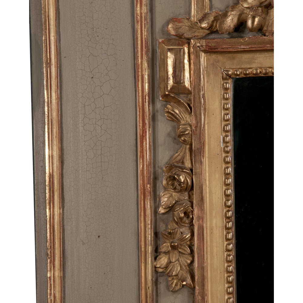 Period Trumeau Mirror In Excellent Condition For Sale In Lawrenceburg, TN