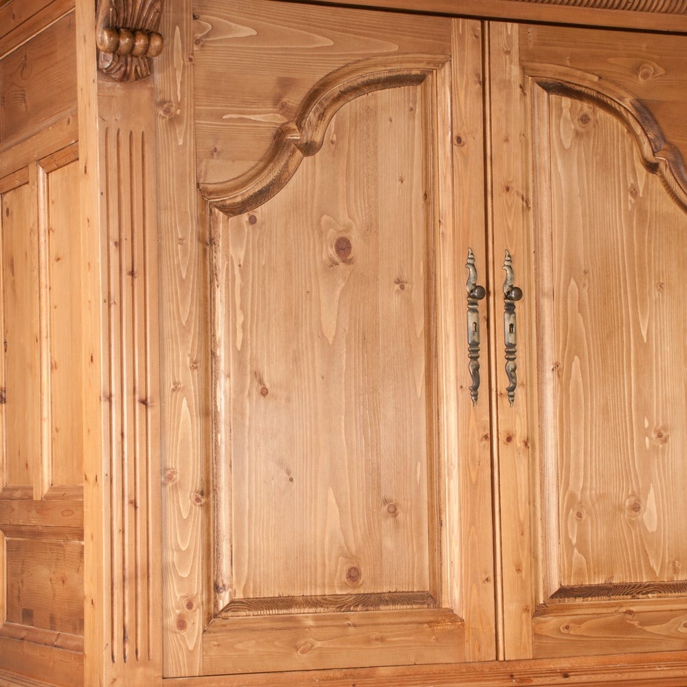 Pine Linen Press In Good Condition For Sale In Lawrenceburg, TN