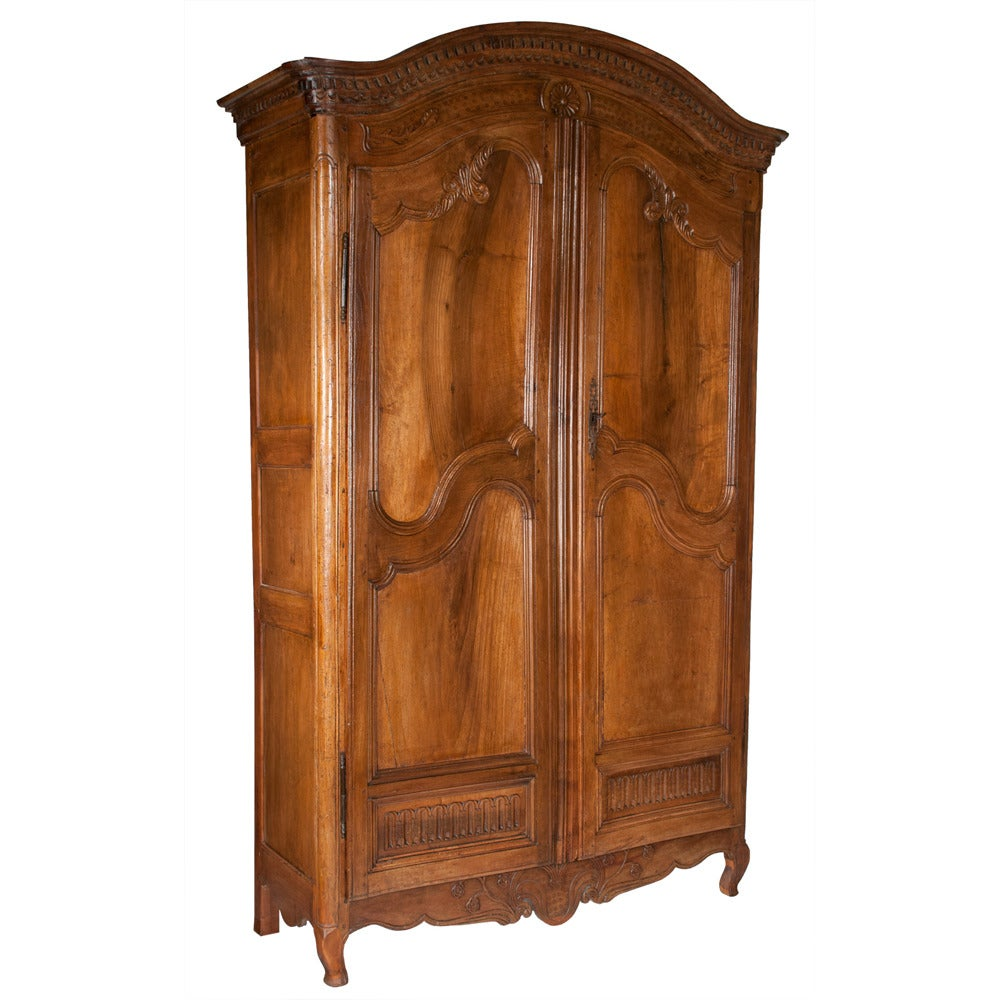 french louis xv armoire at 1stdibs. Black Bedroom Furniture Sets. Home Design Ideas