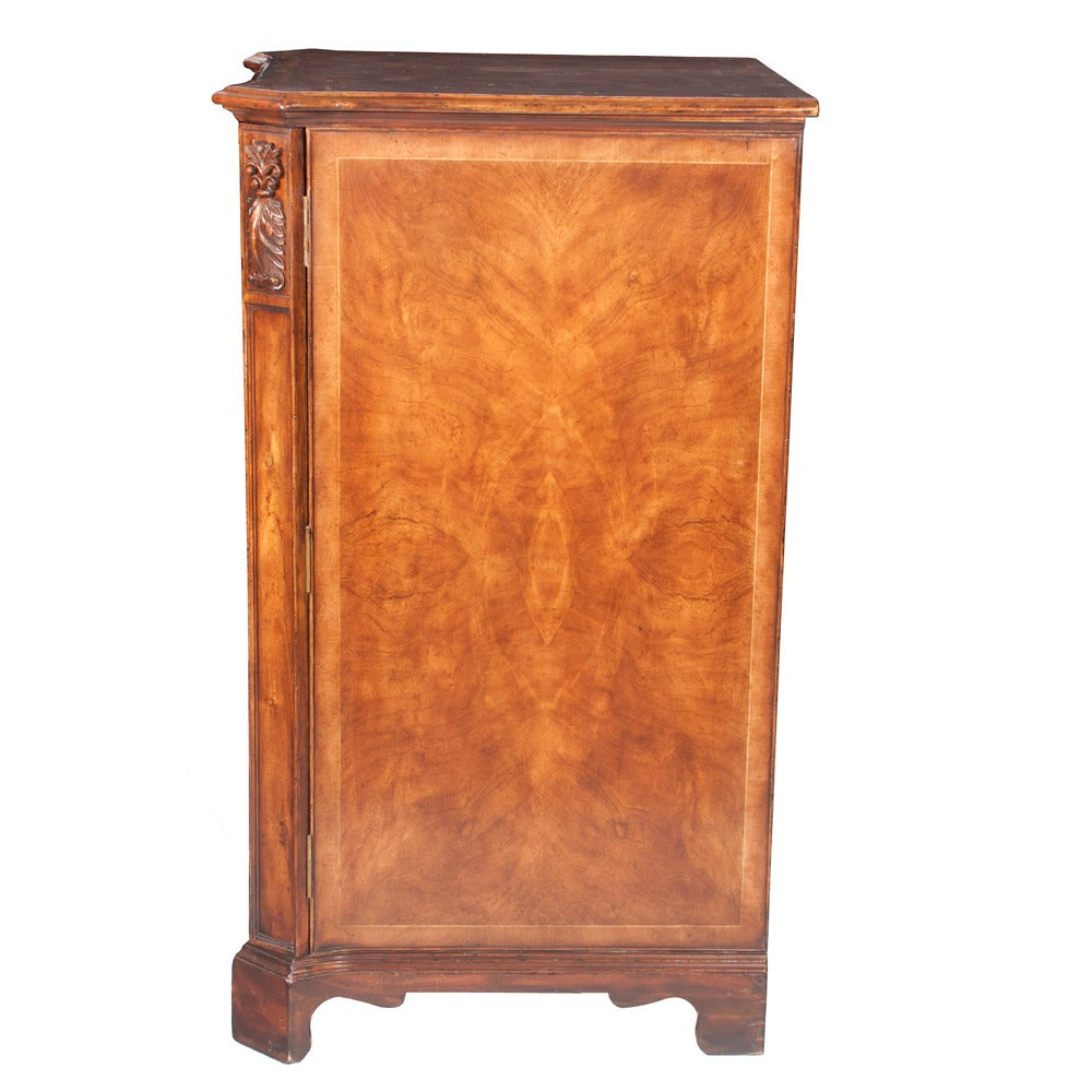 Walnut Filing Cabinet In Good Condition For Sale In Lawrenceburg, TN