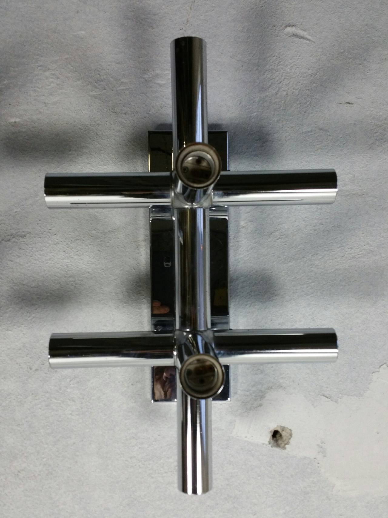 Pair of Lightolier Chrome Tube Sconces, 1970s Space Age, Atomic For Sale 2