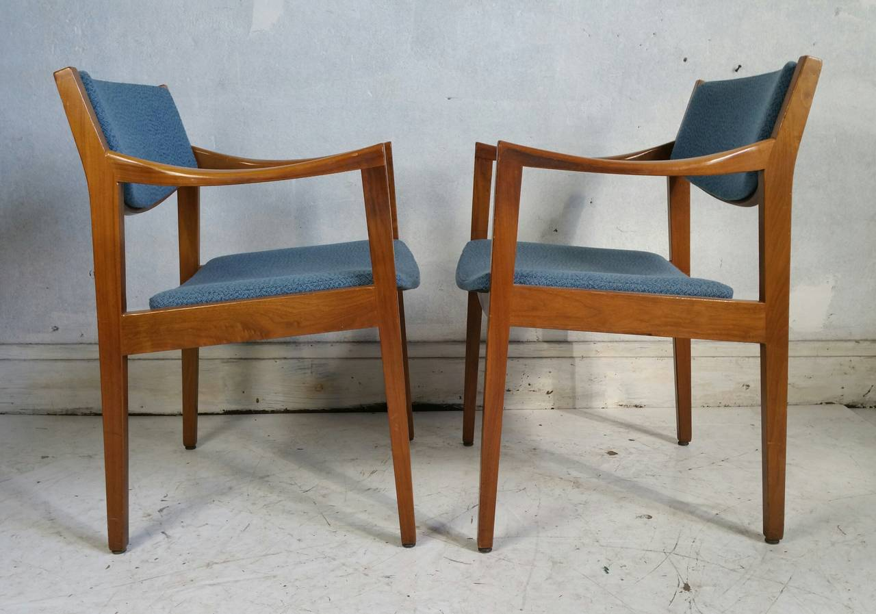 Jens Risom Side Chair Pair Of Mid Century Modern Gunlock Arm Chairs In The Jens Risom