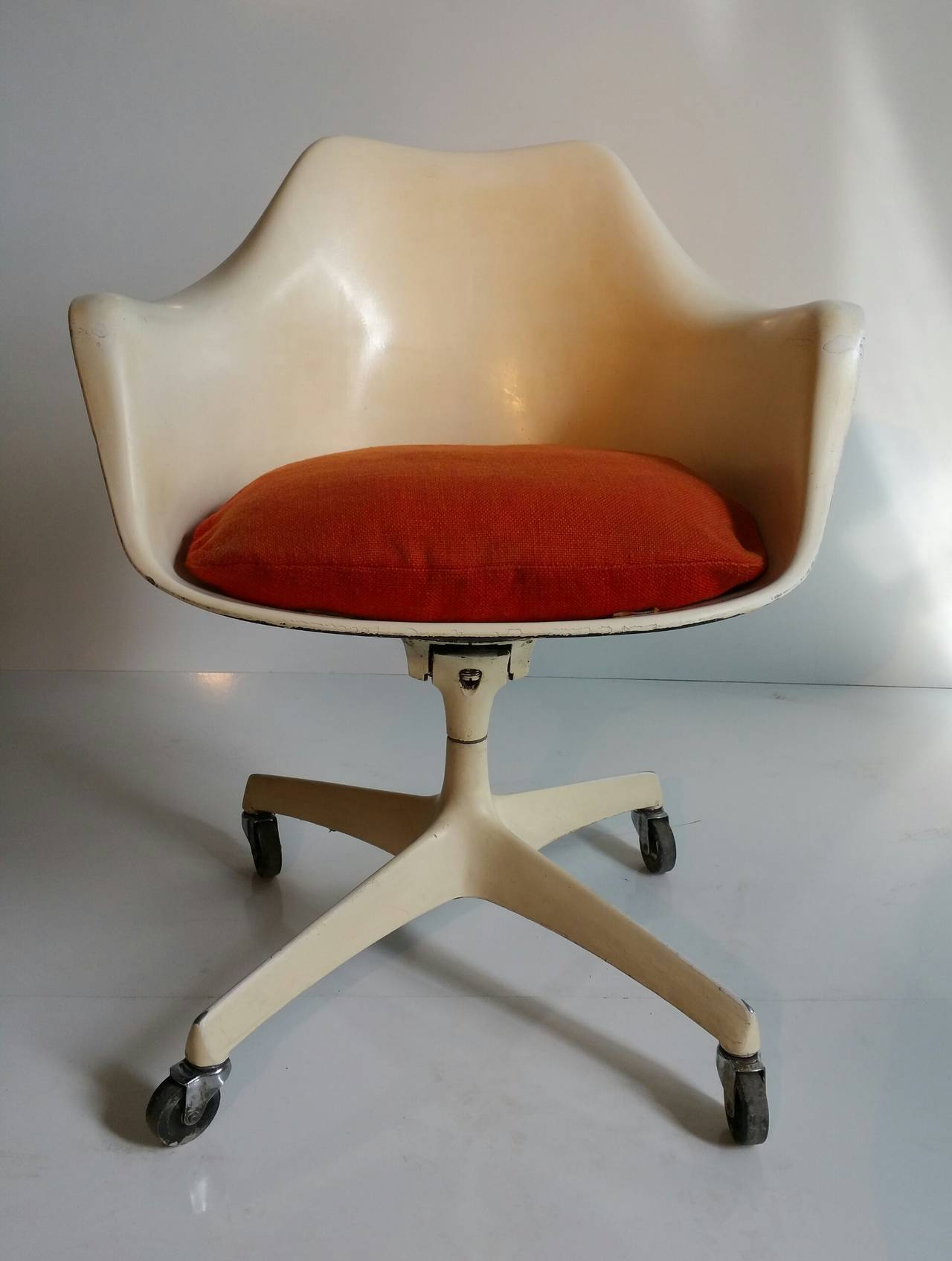Beau This Extremely Rare Desk Chair Combines Saarinenu0027s Classic Tulip Chair With  The Four Star Aluminum Tilt