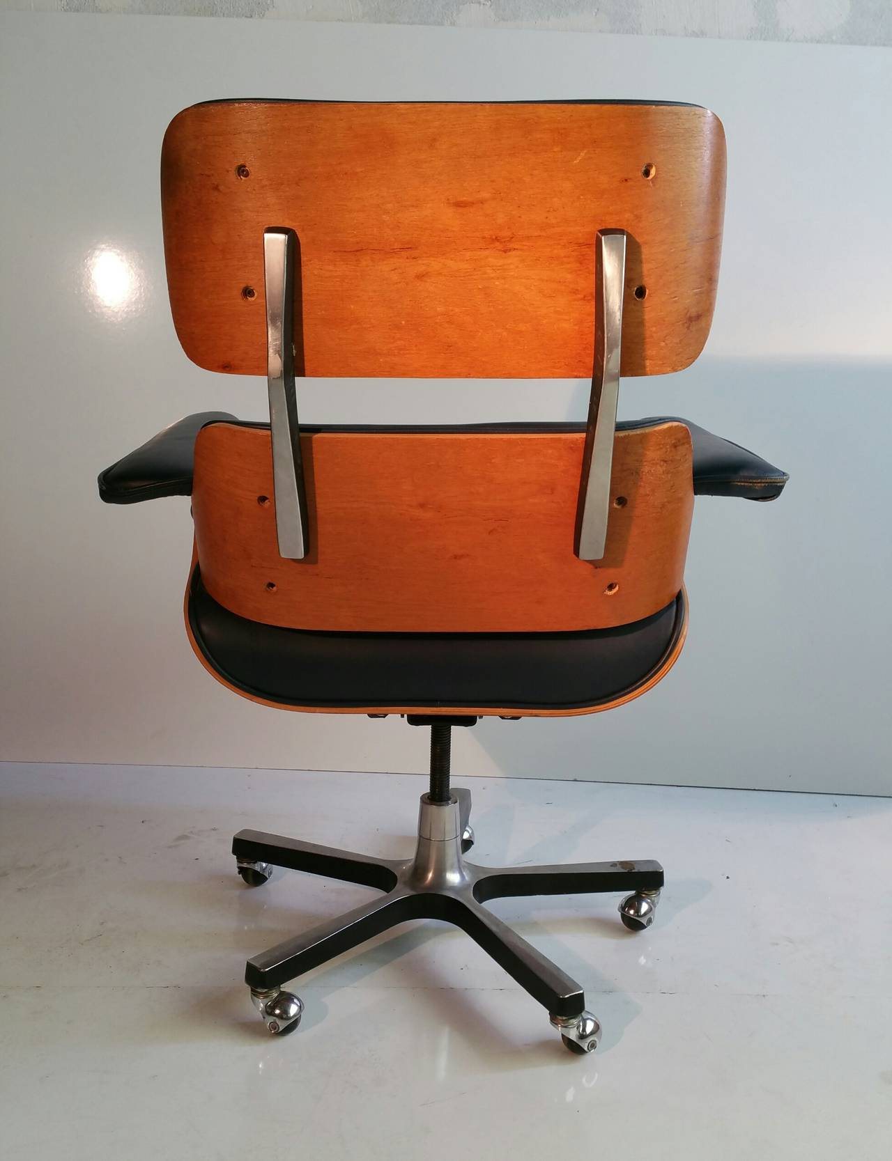 leather eames classic style management armless conference