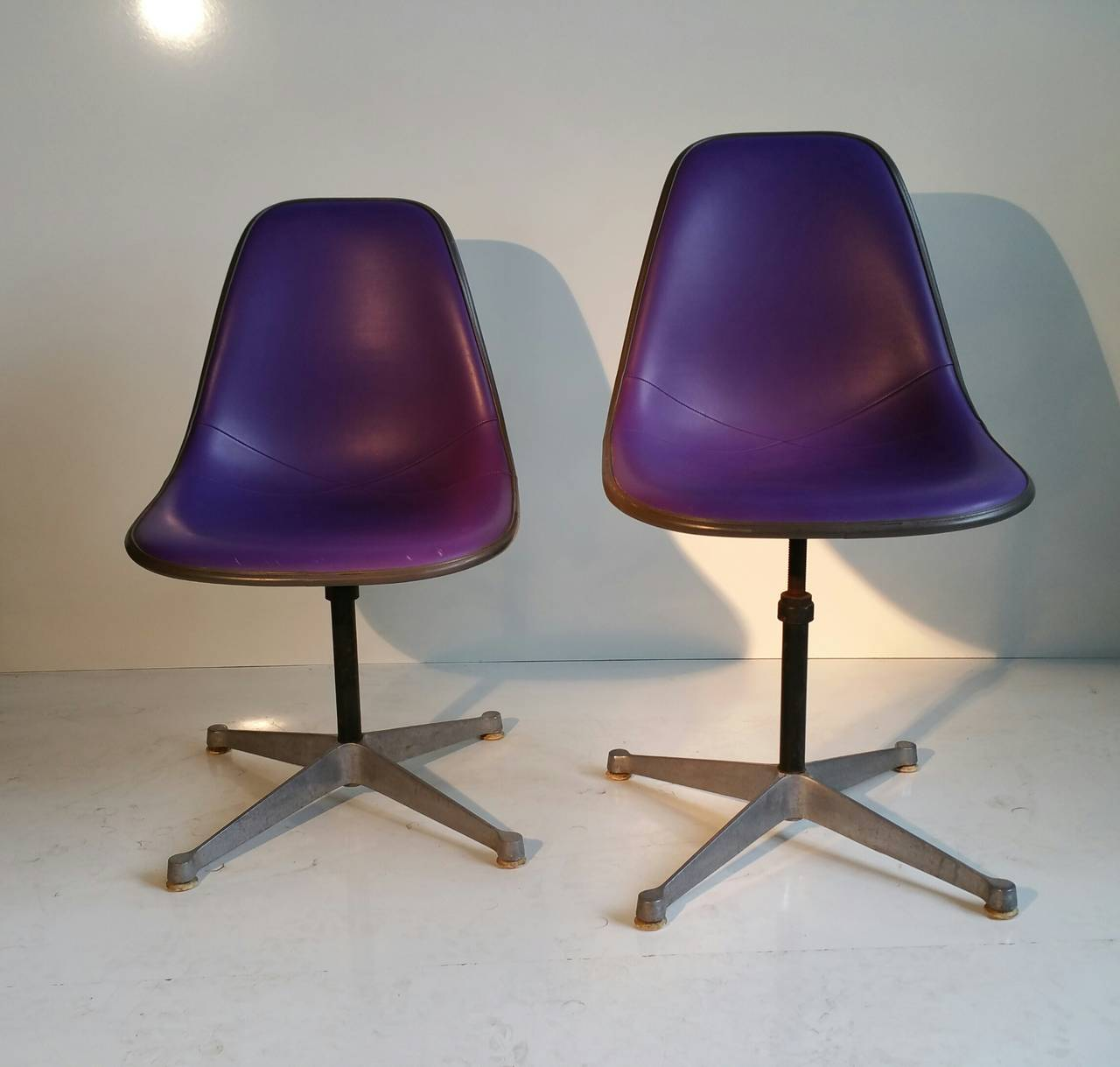 Pair of Charles and Ray Eames Adjustable Swivel Chairs 5