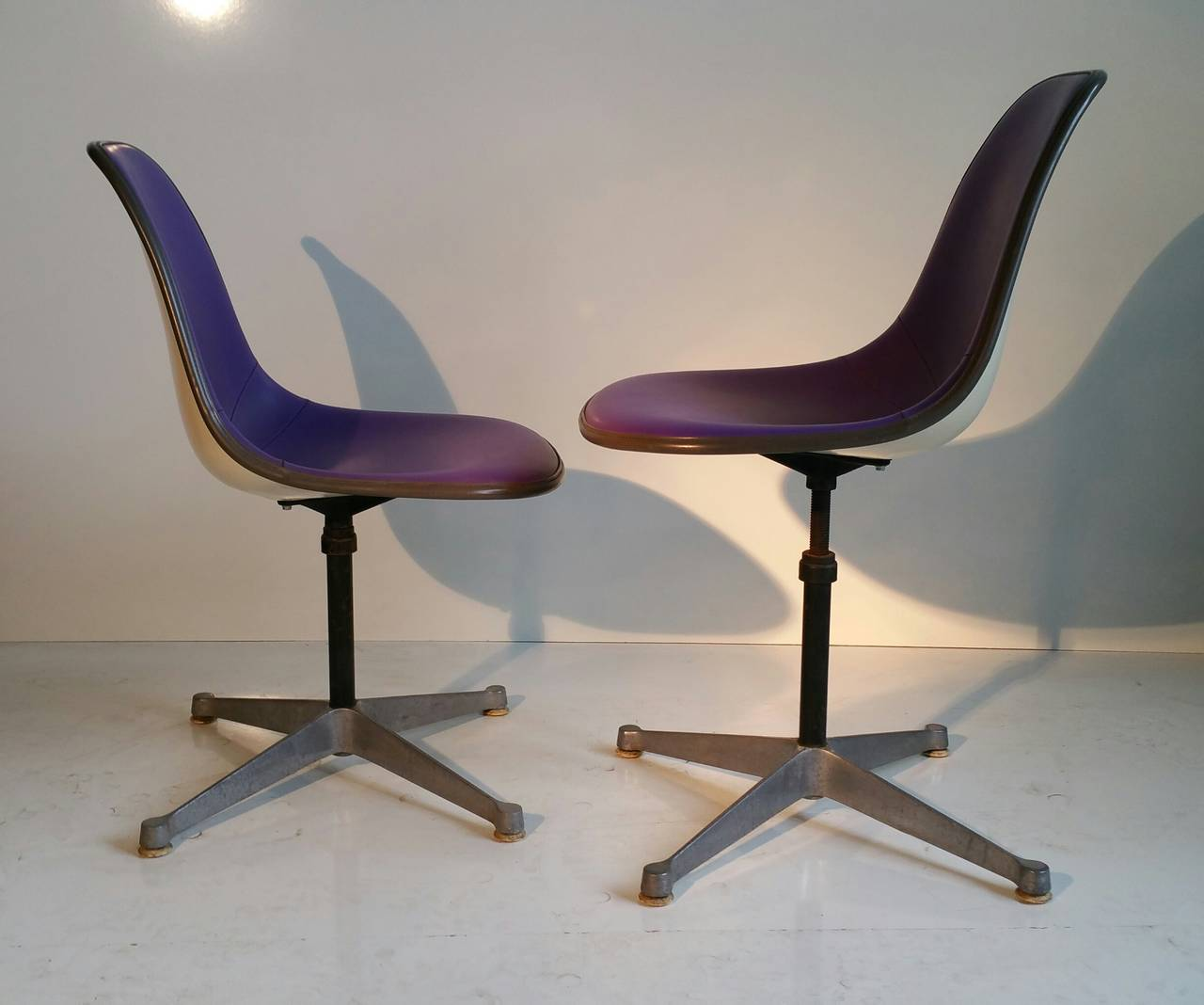 Pair of Charles and Ray Eames Adjustable Swivel Chairs 8