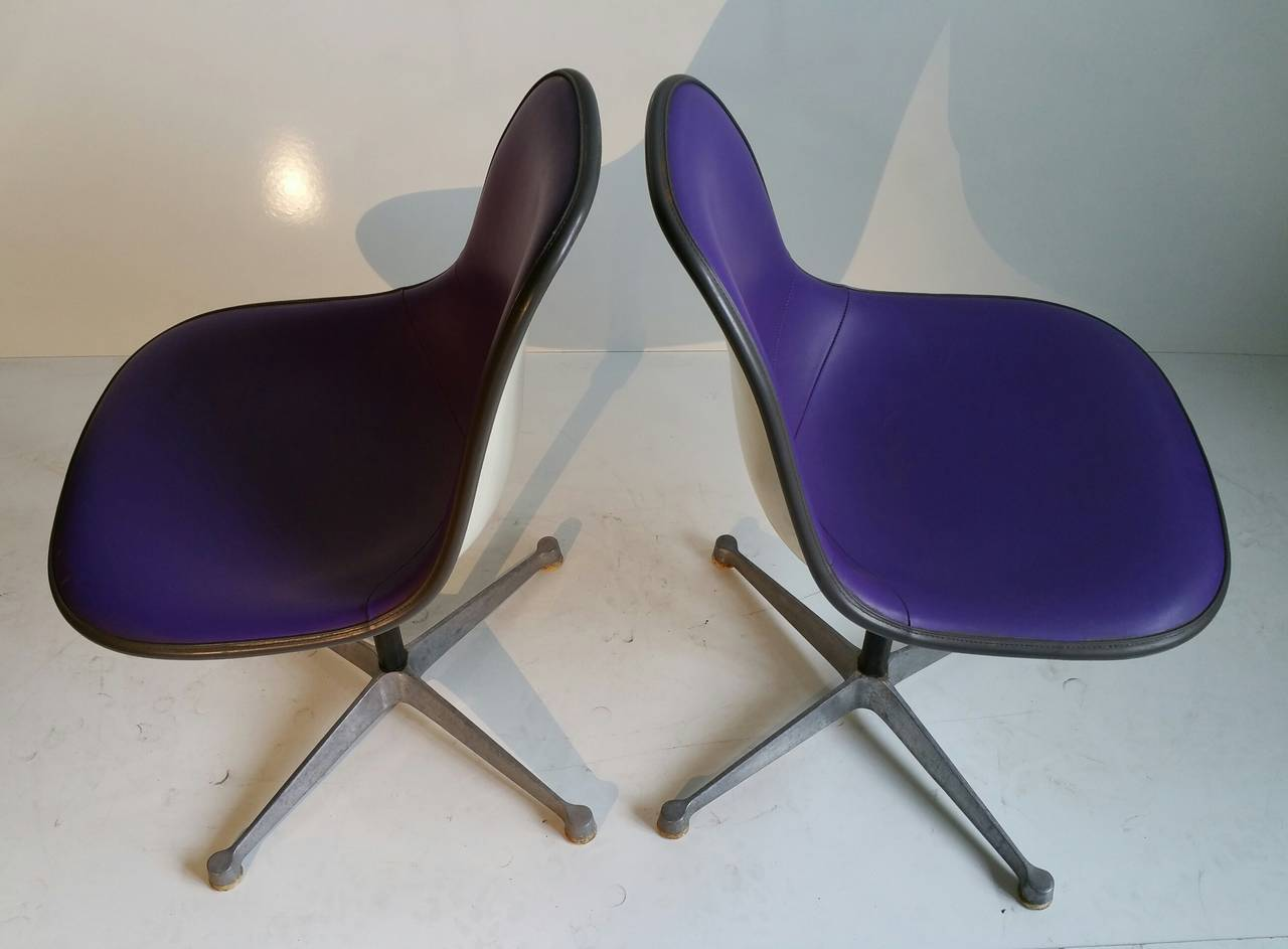 Pair of Charles and Ray Eames Adjustable Swivel Chairs 7