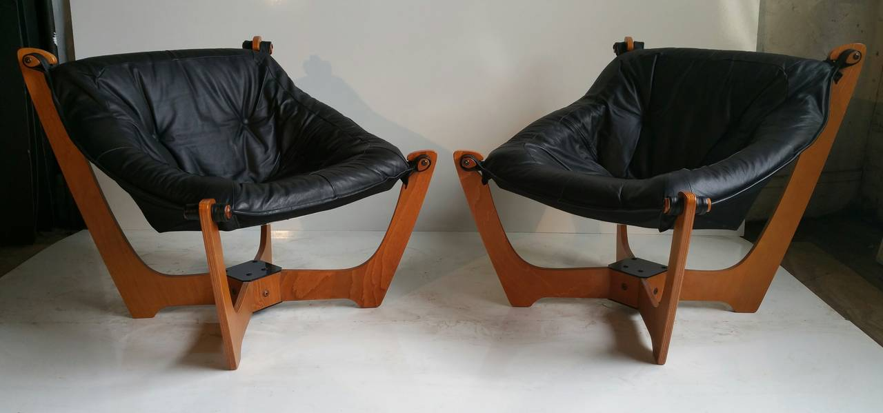 Merveilleux A Pair Of Danish Mid Century Modern Møbler Luna Leather Chairs. The Chairs  Were