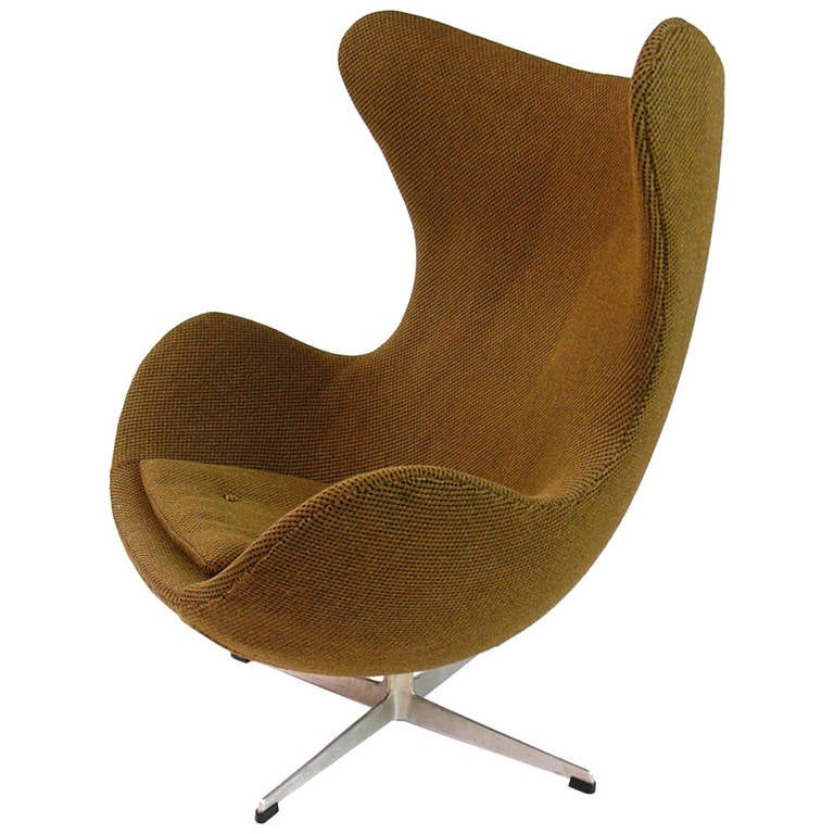 arne jacobsen egg chair model 3316 for fritz hansen at 1stdibs. Black Bedroom Furniture Sets. Home Design Ideas