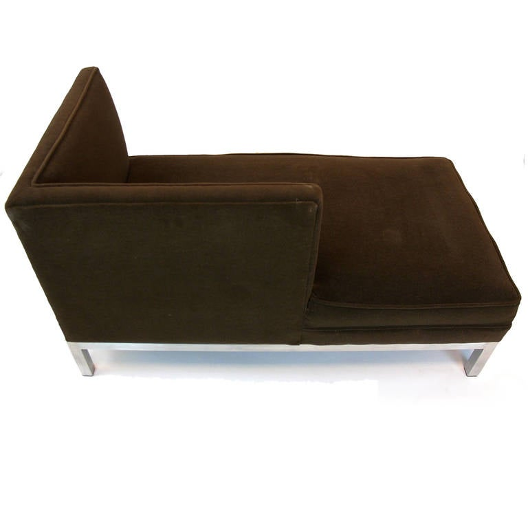 Charter brown jordan tete a tete pair of chaise lounges for Chaises longues aluminium