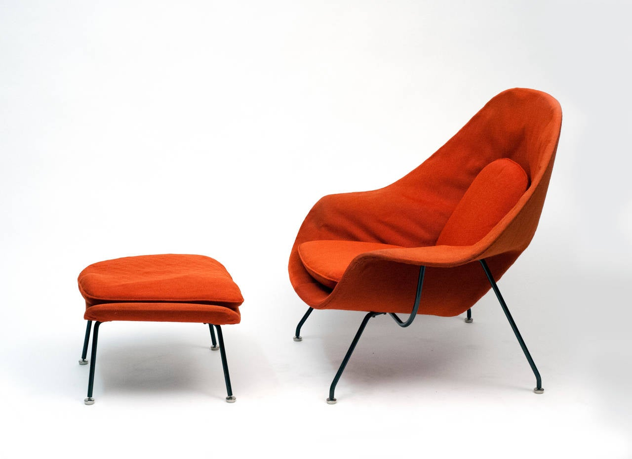 Knoll womb chair - Early Womb Chair With Black Frame And Ottoman By Eero Saarinen For Knoll 1950s 2