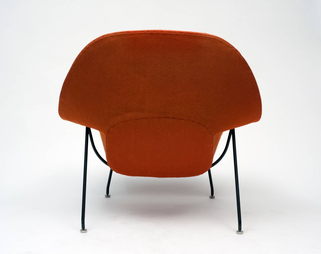 Knoll womb chair - Early Womb Chair With Black Frame And Ottoman By Eero Saarinen For Knoll 1950s 3