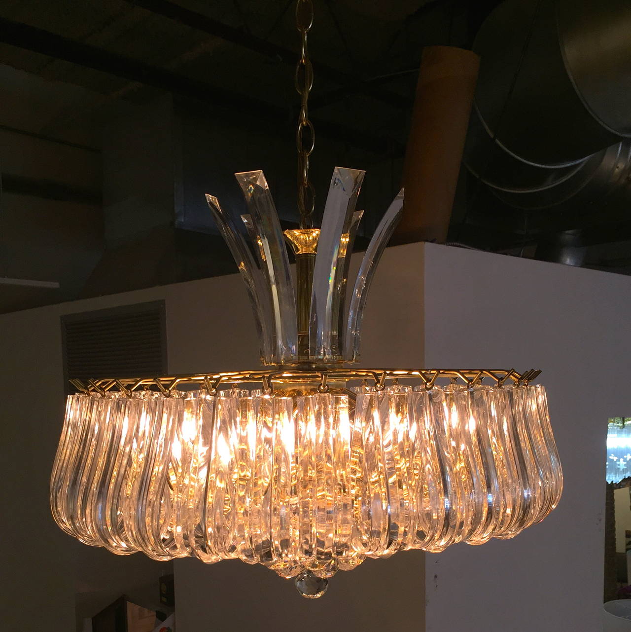 Mid Century Modern Triarch Lucite And Br Chandelier In Good Condition For Houston