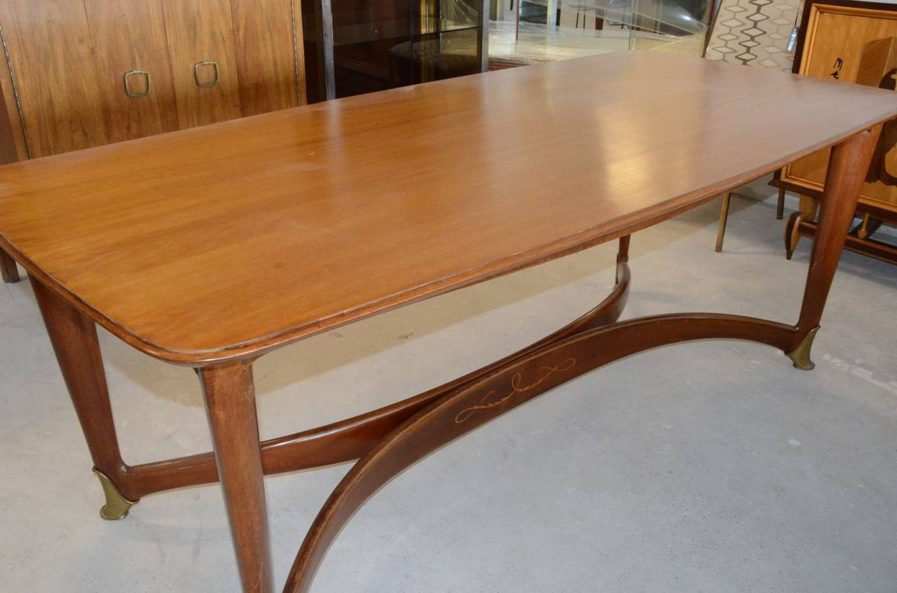 Mid-Century Modern Paolo Buffa Italian Walnut Dining Table with Brass Accents For Sale 3