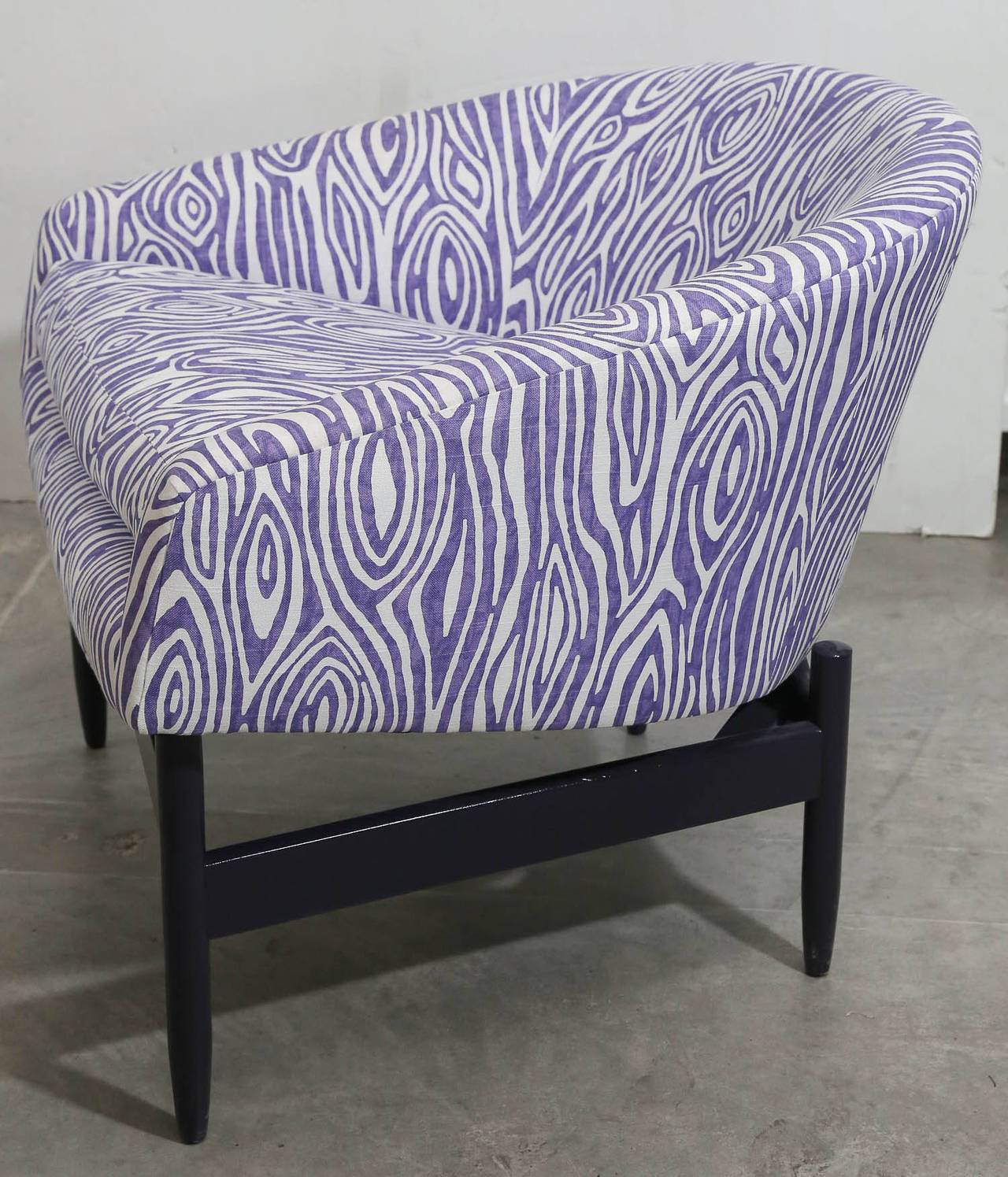 20th Century Pair of Newly Upholstered Purple & White Animal Print Barrel Back Lounge Chairs For Sale