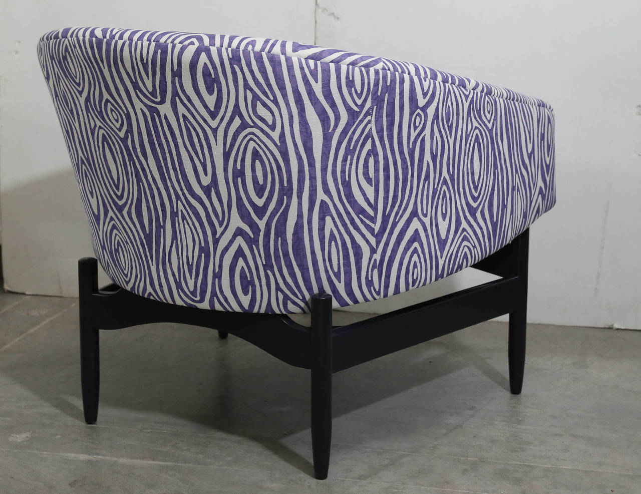Pair of Newly Upholstered Purple & White Animal Print Barrel Back Lounge Chairs In Good Condition For Sale In Houston, TX