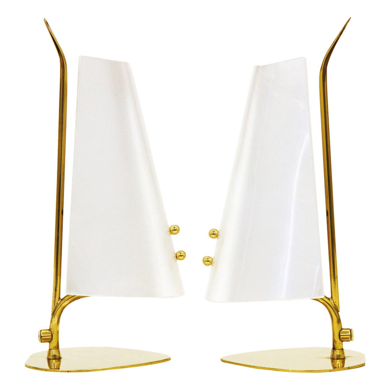 unique pair of brass and perspex table lamps for sale at 1stdibs. Black Bedroom Furniture Sets. Home Design Ideas