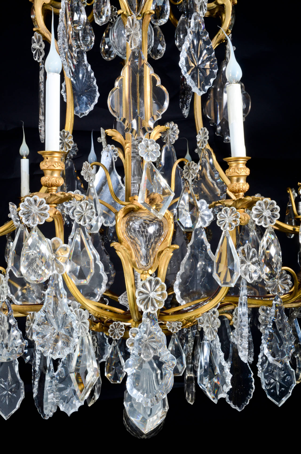 Large Antique French Louis XVI Style Gilt Bronze and Crystal Baccarat Chandelier For Sale 1