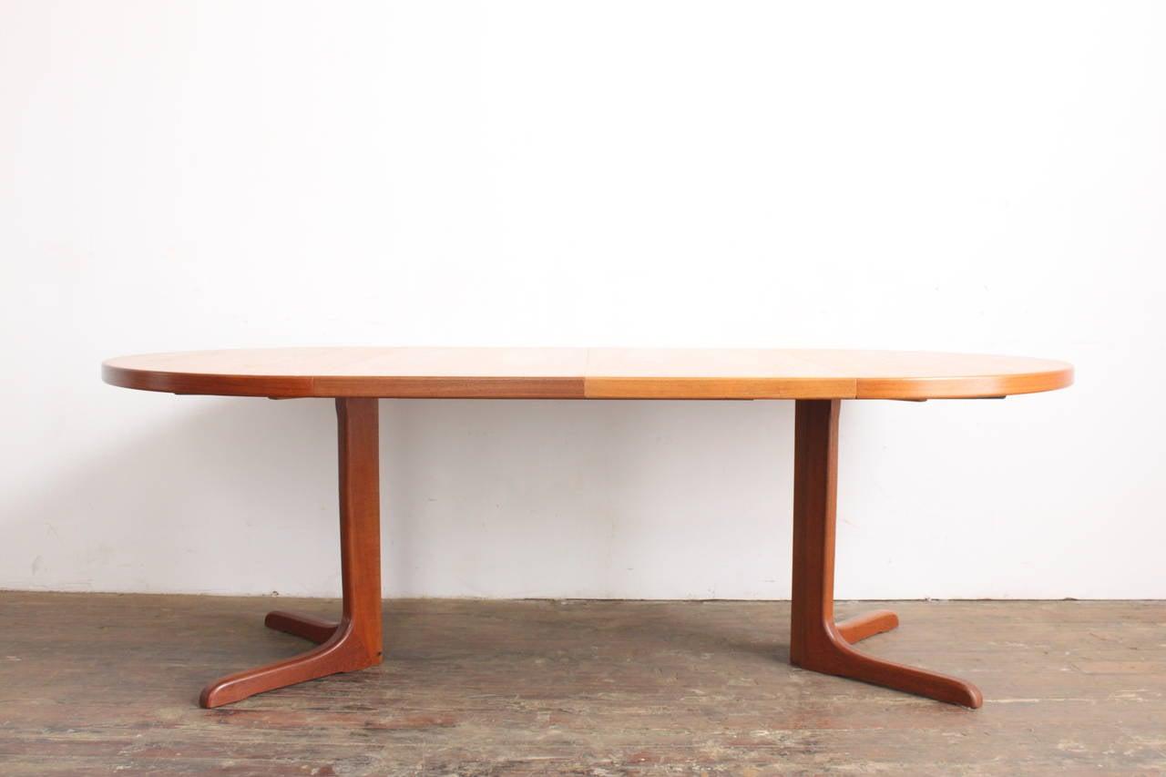 Teak Pedestal Dining Table at 1stdibs : IMG0507l from www.1stdibs.com size 1280 x 853 jpeg 54kB