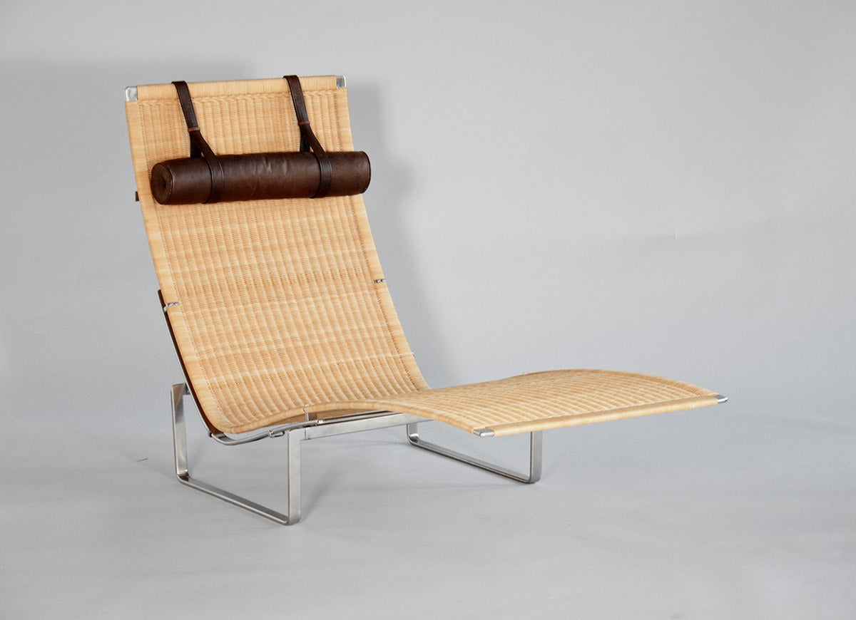Pk 24 chaise longue by poul kj rholm at 1stdibs for Chaise longue manufacturers
