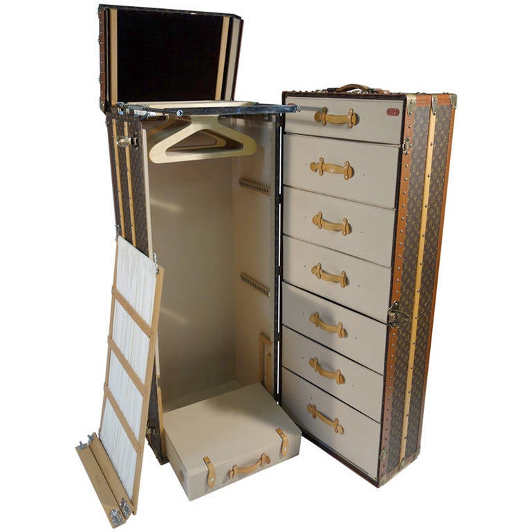 louis vuitton monogramme huge wardrobe trunk malle armoire at 1stdibs. Black Bedroom Furniture Sets. Home Design Ideas