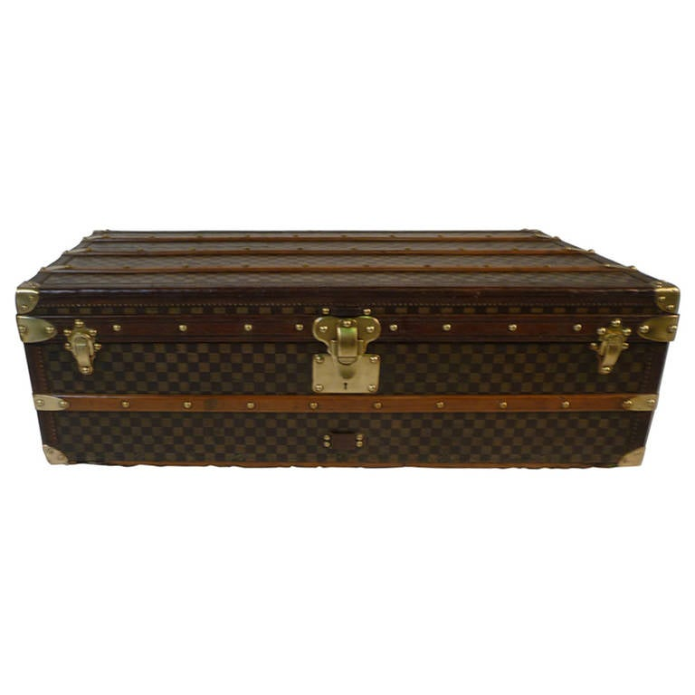 bb0c1500a58 Louis Vuitton Cabin Damier Trunk 1900s   Malle cabine For Sale at ...