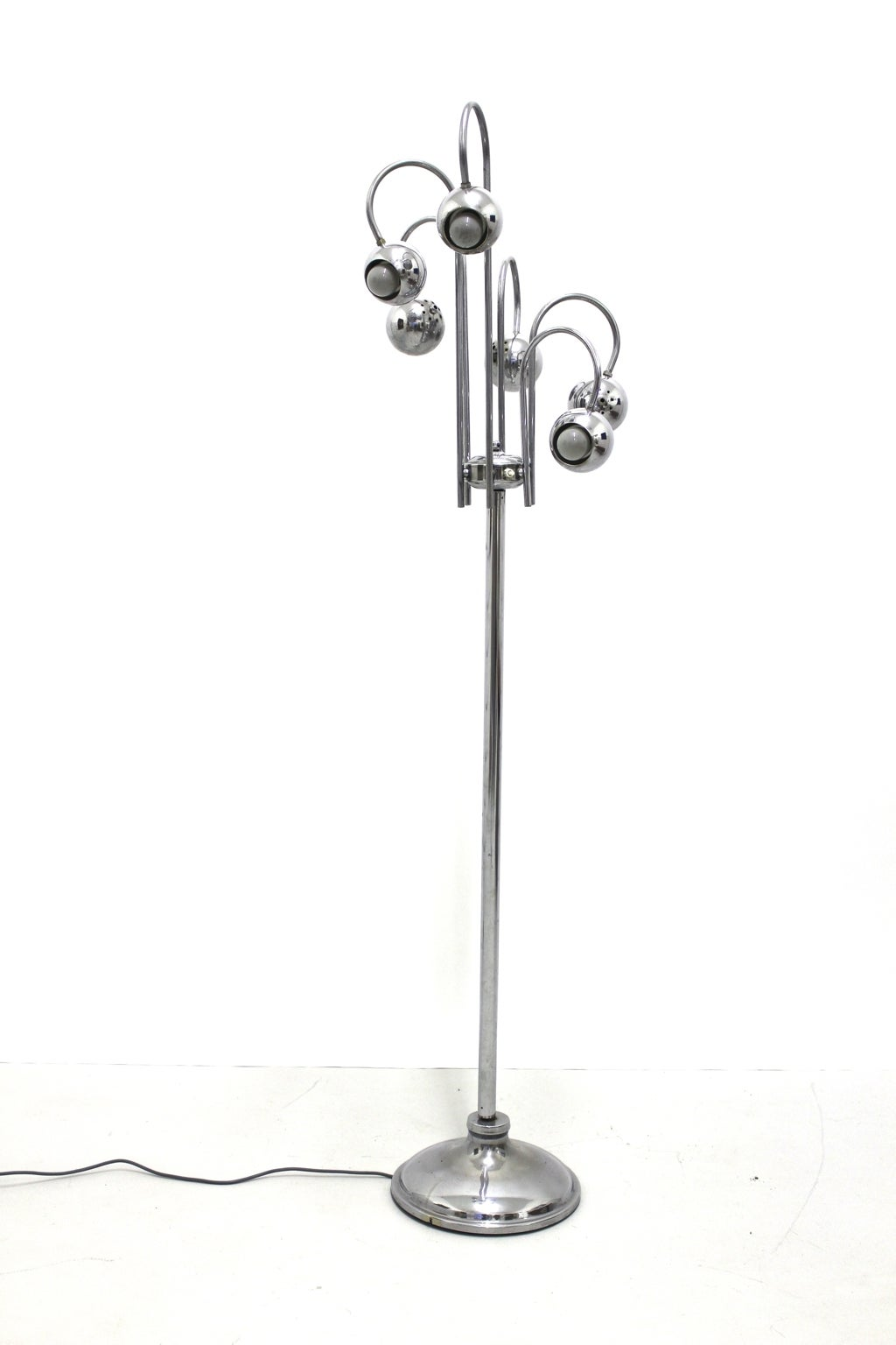 Chromed floor lamp by Robert Sonneman with six turnable globes. 