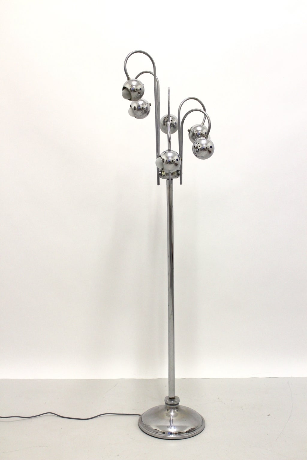 Space Age  Chrome Floor Lamp by Robert Sonneman, 1960s, USA For Sale