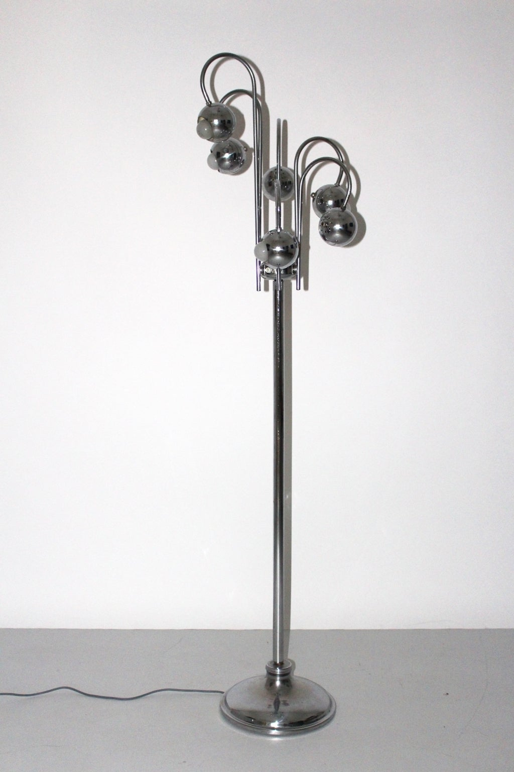 Chrome Floor Lamp by Robert Sonneman, 1960s, USA In Good Condition For Sale In Vienna, AT