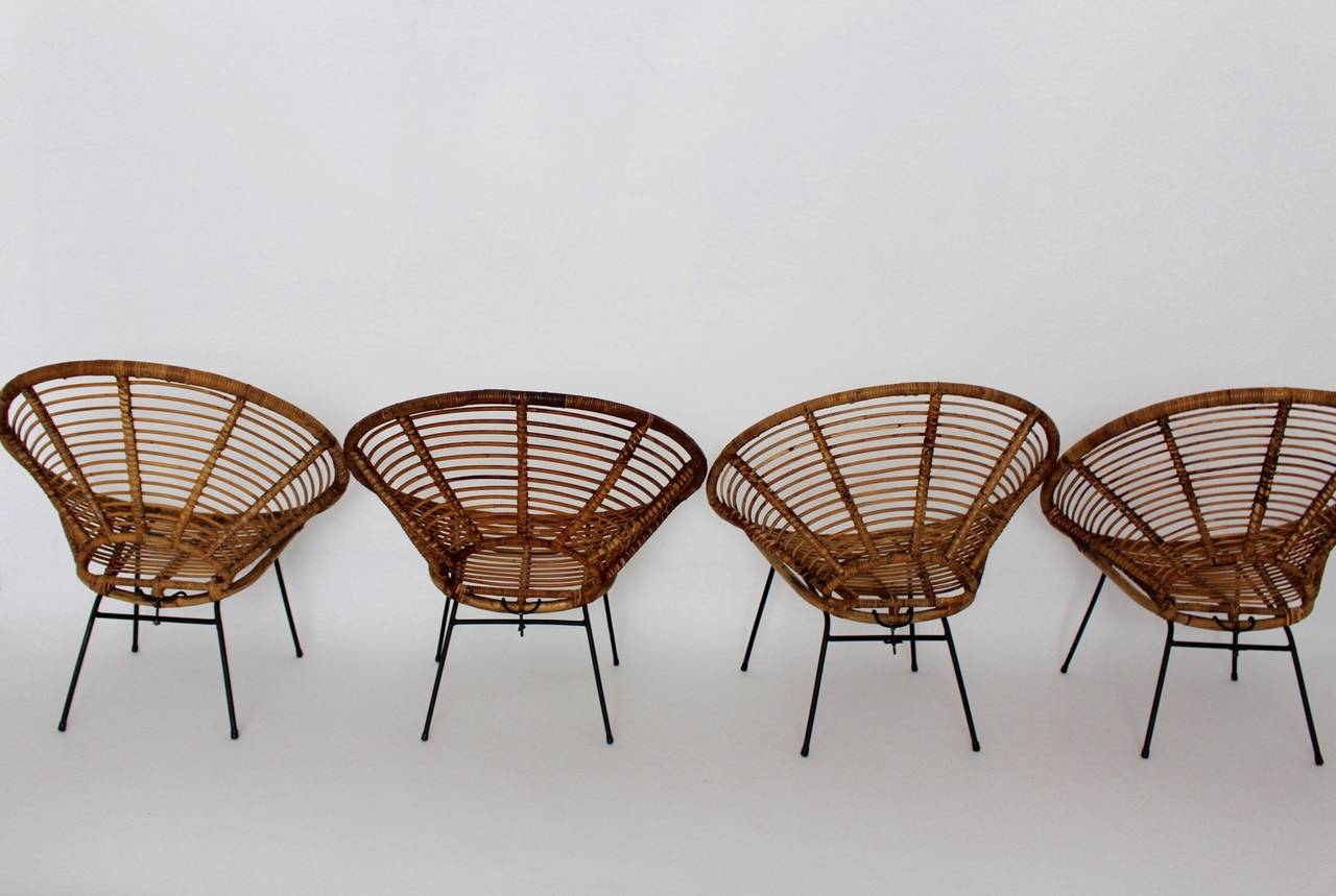 Mid Century Modern Rattan Vintage Chairs France 1950s Set of four Rattan Metal In Good Condition For Sale In Vienna, AT