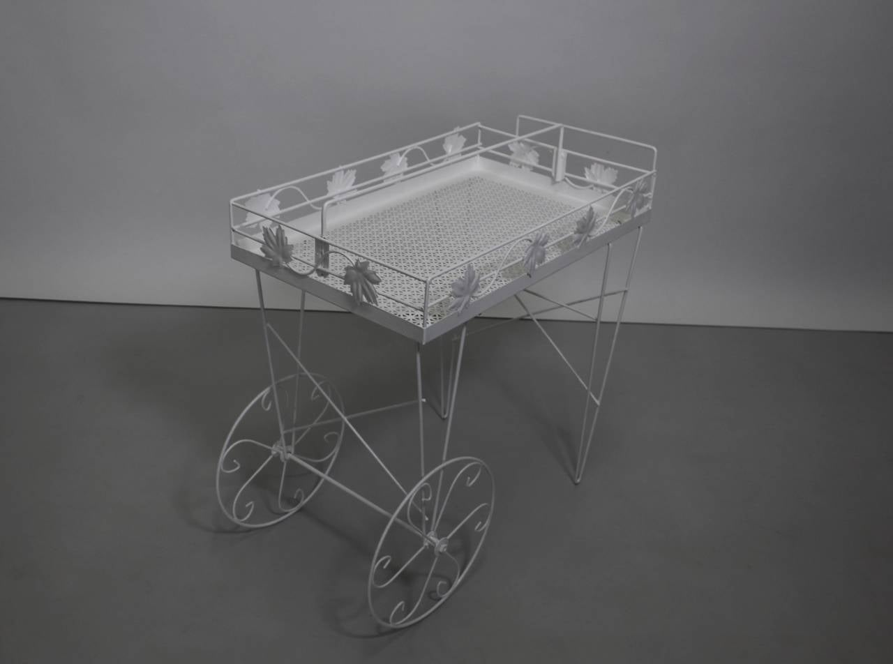 Italian Mid Century Modern White Vintage Metal Bar Cart or Serving Table 1950s Italy For Sale