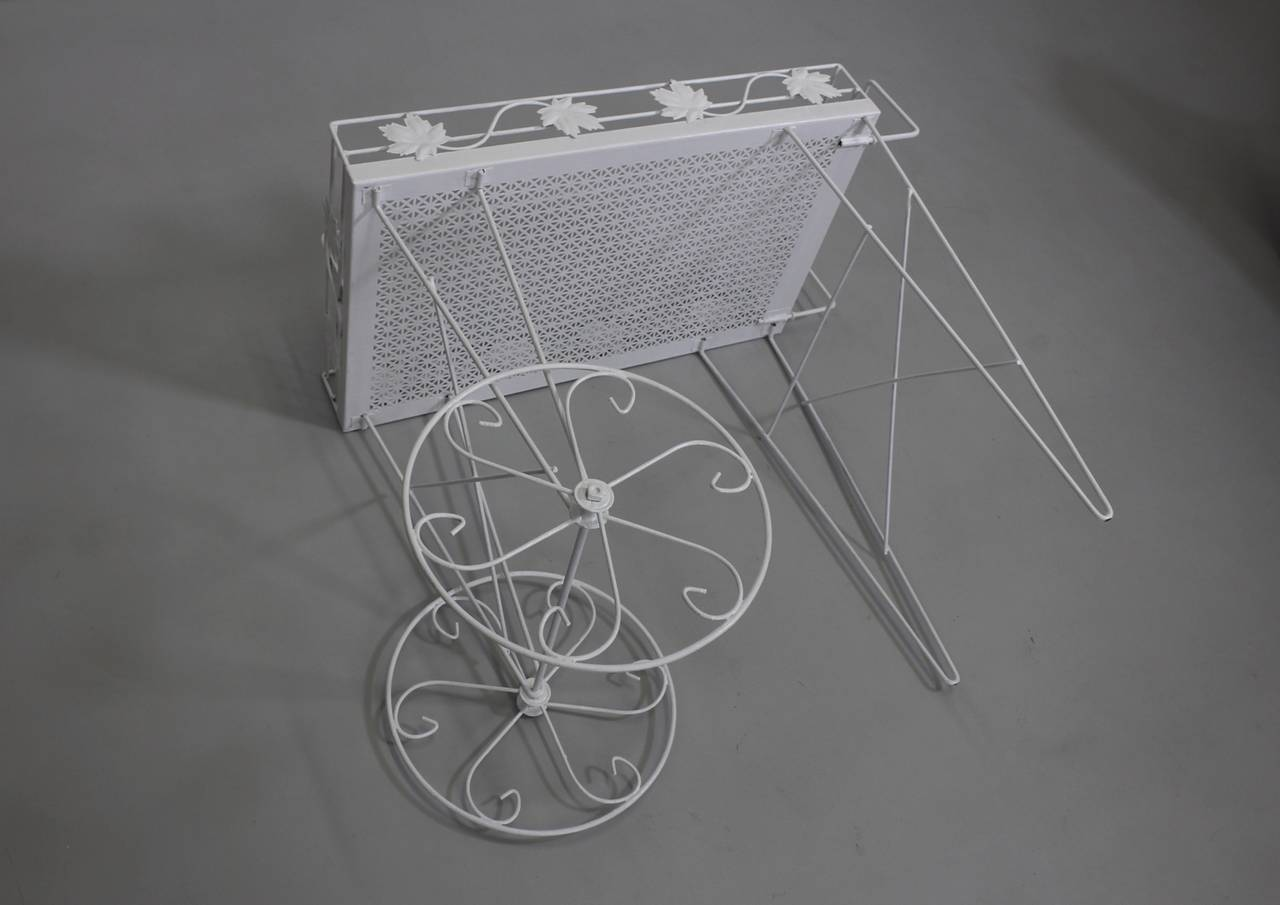 Mid-20th Century Mid Century Modern White Vintage Metal Bar Cart or Serving Table 1950s Italy For Sale