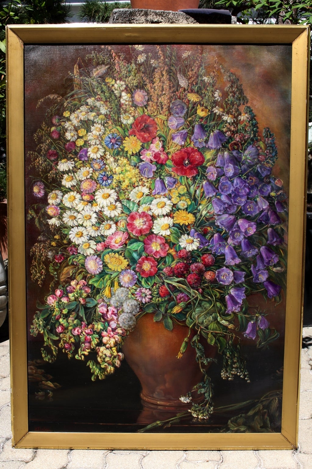 Wonderful painting by Emil Fiala from 1933, Vienna, with the motif of Field Flowers from the surroundings of Vienna. The motif of the field flowers had been painted so realistic, that it is possible to smell the flowers. Emil Fiala (1869 Prossnitz,