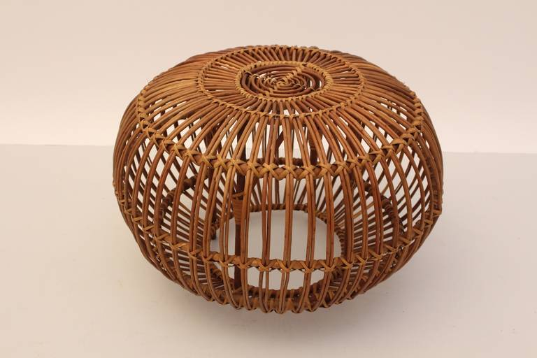 Mid-Century Modern Vintage Rattan Pouf Stool Franco Albini attr Italy, 1950s In Good Condition For Sale In Vienna, AT