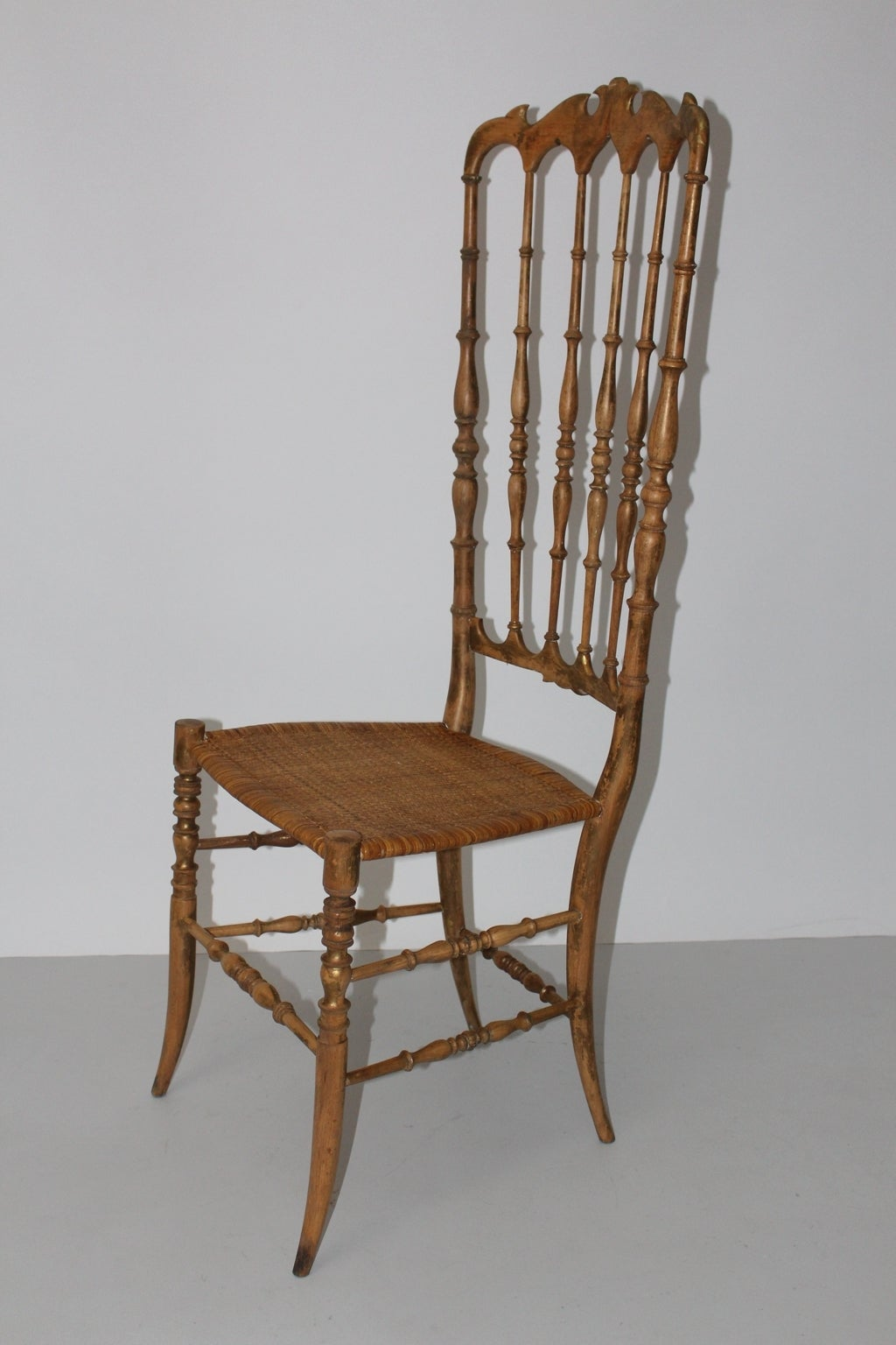Mid Century Modern Beechwood Extra High Back Chiavari Chair Italy 1940s In Good Condition For Sale In Vienna, AT