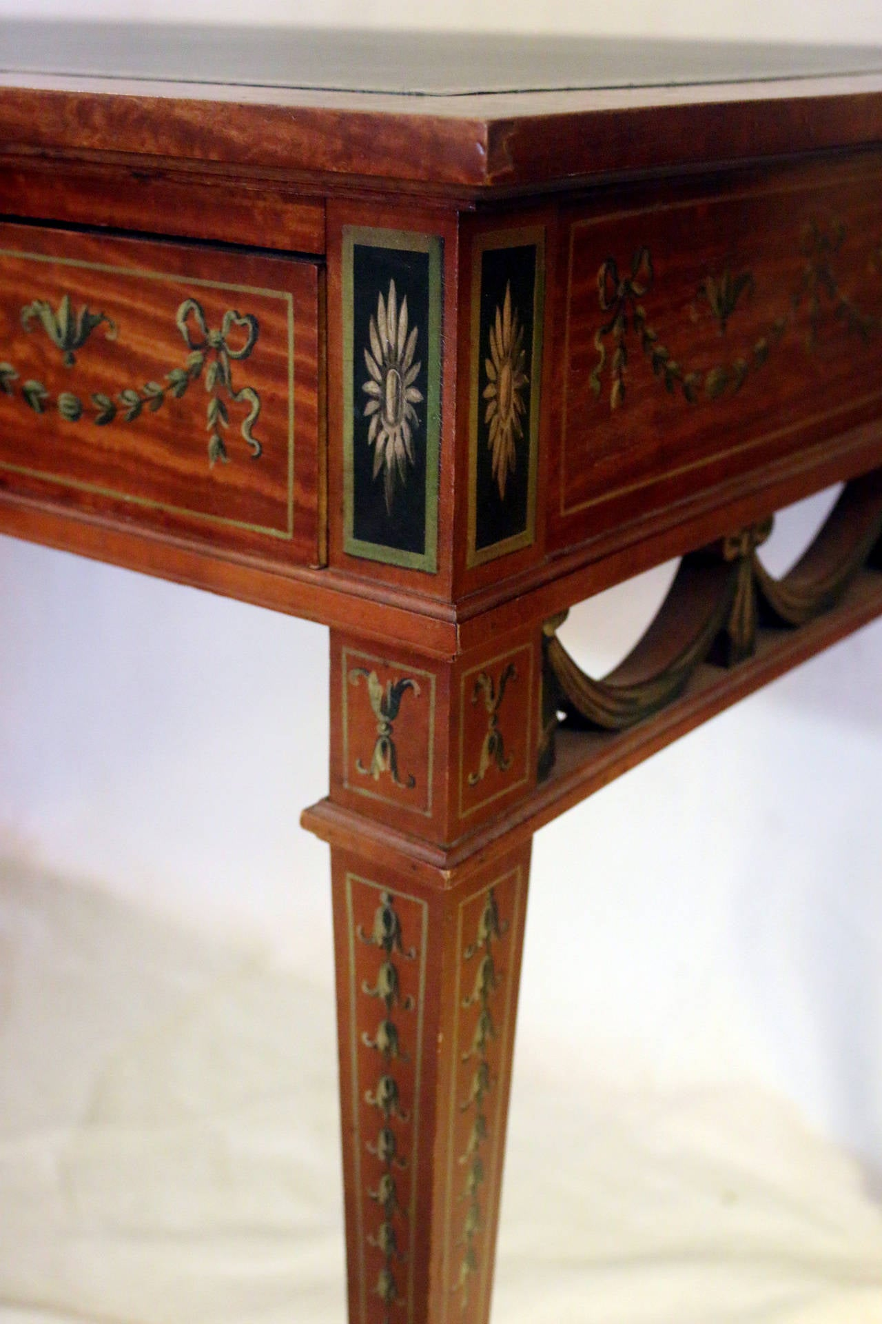 19th Century English Adam Style Satinwood Desk In Good Condition For Sale In Savannah, GA