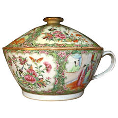 Rose Medallion Chinese Export Covered Chamber Pot