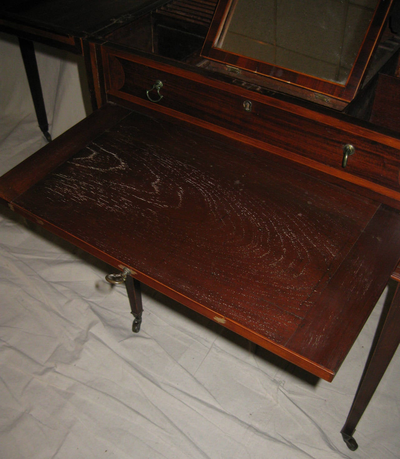 19th century Georgian Mahogany Dressing Table For Sale 1