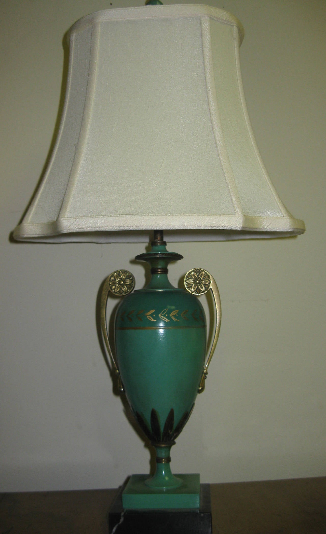 pair of art deco french tole lamps for sale at 1stdibs. Black Bedroom Furniture Sets. Home Design Ideas